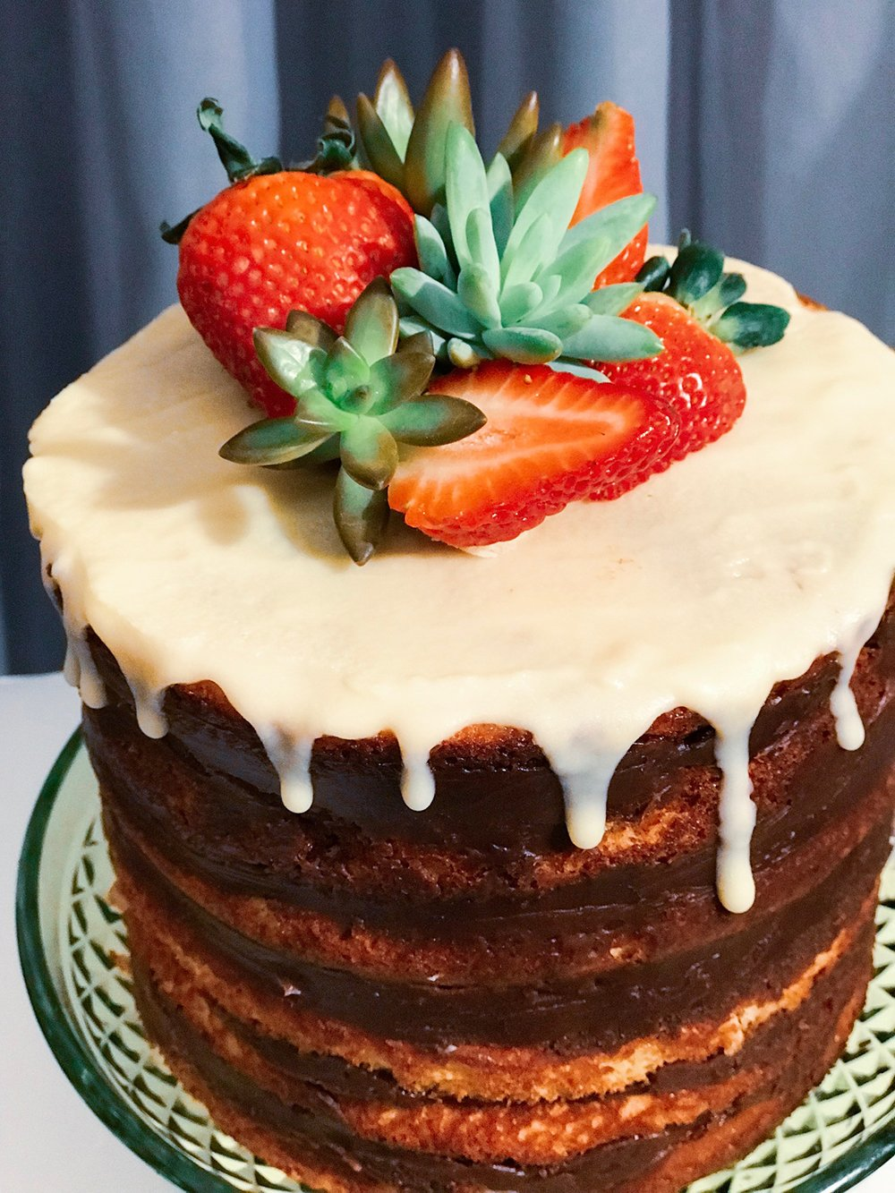 naked cake chocolate morango